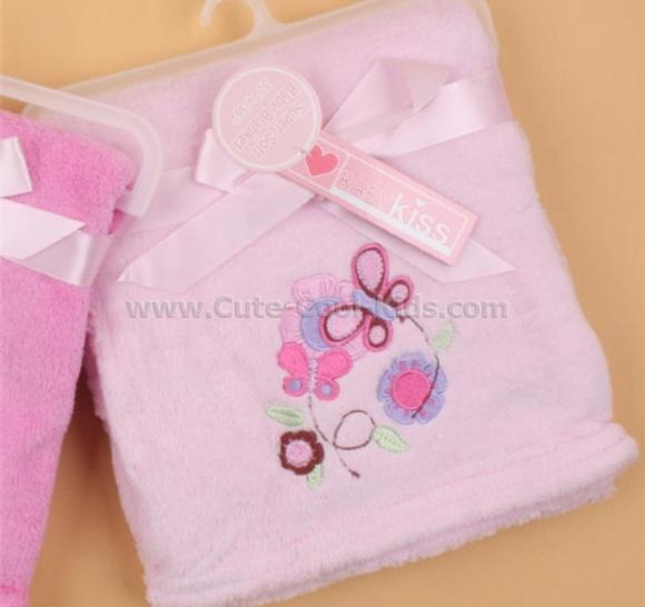 ผ้าห่มเด็กสีชมพู ปักลายผีเสื้อ