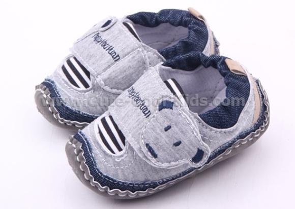 รองเท้าเด็กเล็ก ขนาด 11cm* 13cm *