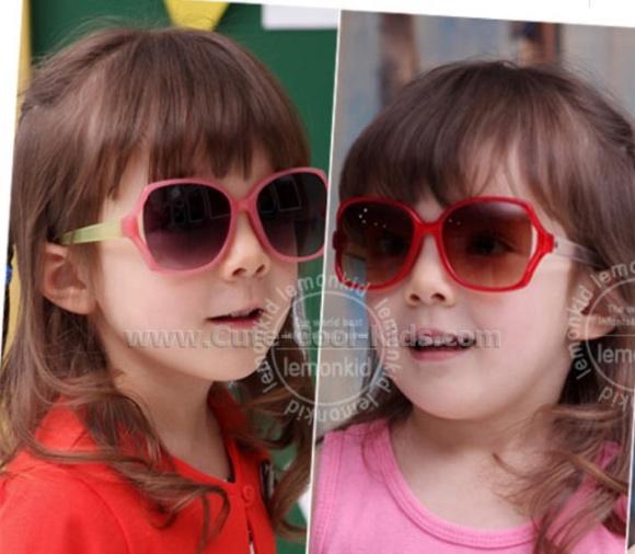 แว่นตากันแดดเด็กสีน้ำตาลกรอบแดง