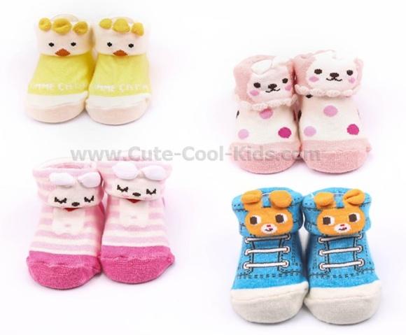 ถุงเท้าเด็กอ่อนสีแดงลายหมี