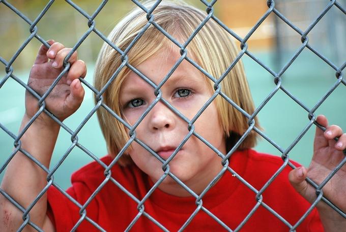 คุณพ่อคุณแม่ควรจะทราบว่า พฤติกรรมเด็กแบบใดที่ถือว่าเป็นเรื่องปกติ และไม่ควรกังวลจนเกินไป เพื่อที่จะสามารถรับมือกับพฤติกรรมต่าง ๆ ที่เกิดขึ้นได้  วัยเด็กเป็นวัยที่มีความช่างคิดช่างสงสัย อยากรู้อยากเห็น ชอบเคลื่อนไหว วิ่งเล่น และมีจินตนาการสูง  ชอบสำรวจสิ่งต่าง ๆ มีความคิดสร้างสรรค์มาก เริ่มค้นหาและอยากรู้เรื่องราวเกี่ยวกับสิ่งที่อยู่รอบตัว อาจได้ยินคำถามว่าทำไม เพื่อให้พ่อแม่ตอบเหตุผลมากขึ้น สิ่งต่าง ๆ เหล่านี้ คุณพ่อคุณแม่ควรให้ความสนใจ และมีพฤติกรรมตอบสนองที่ดีกับลูกด้วย